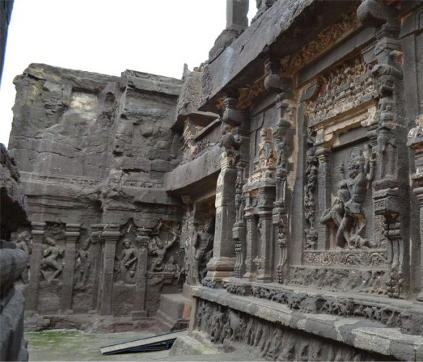 ellora caves arunace